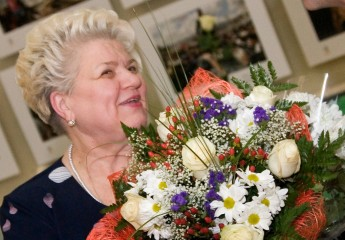 сценарий - женщину провожают на пенсию