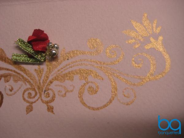 пришиваем к пригласительному самодельные розы