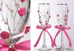 искусственные цветы и бусинки для украшения