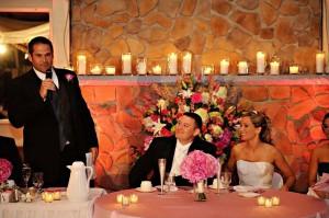 родители поздравляют молодых на свадьбе