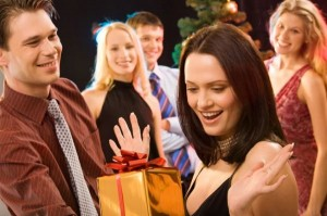 шуточный подарок для женщины на юбилей