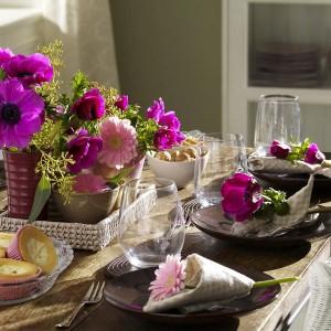 цветы для украшения праздничного стола