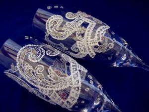 украшенные фужеры жениха и невесты