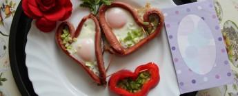 делаем завтрак на День святого Валентина