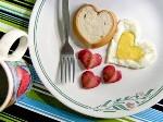 завтрак в постель в День всех влюбленных