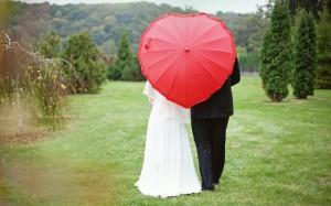 фотосессия на свадьбе с зонтом