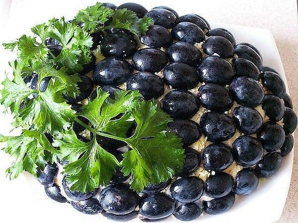 Салат в стиле Гроздь винограда