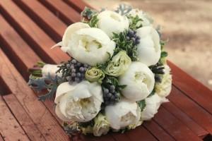свадебный букет невесты из пионов