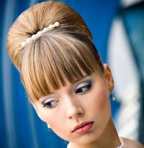 укладка волос невесты пучок с челкой