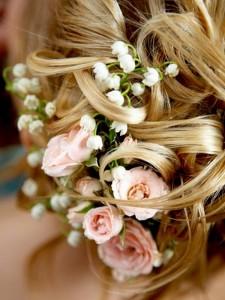 розы для прически невесты