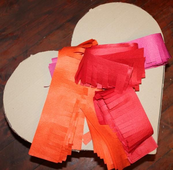 гофрированная бумага для поверхности пиньяты