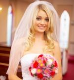 прически свадебные на длинные волосы с фатой