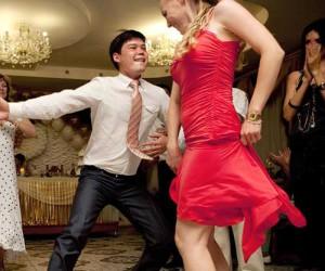 танец в подарок молодоженам
