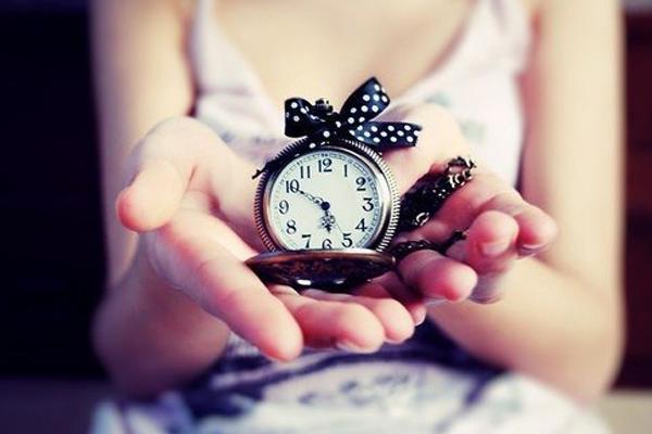 если часы уже подарены