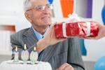 что подарить на день рождения дедушке