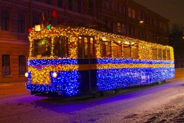 день рождения в трамвае