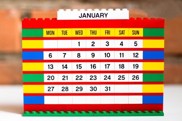 календарик для парня из Лего