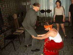 свадебный конкурс с прищепками