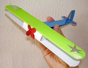 самодельный самолетик в подарок