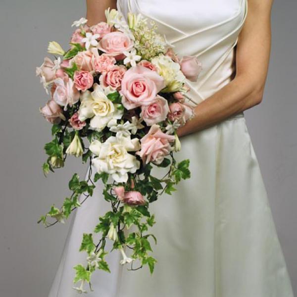 каскад - форма букета невесты