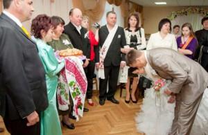 благословение во время празднования свадьбы