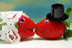 символика клубничной свадьбы