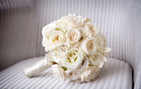 букет невесты классика