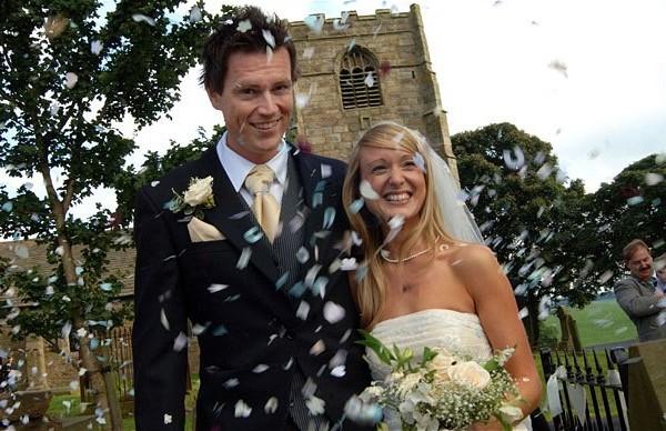 поздравить с днем свадьбы в прозе