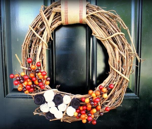 венки на новый год сделанные из соломы