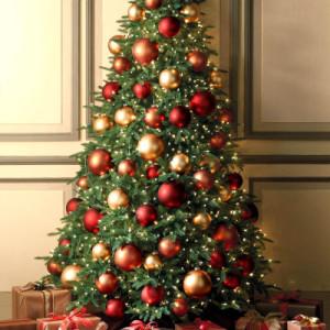 использование одних шаров для елки на новый год