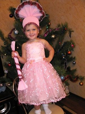 упрощенный вариант новогоднего костюма конфетки