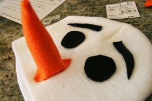 из чего состоит наряд снеговика
