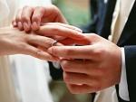на какой руке и на каком пальце носят обручальное кольцо