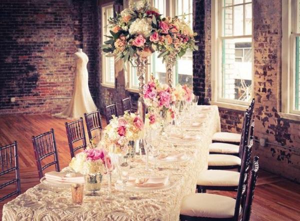 Банкетный зал на винтажной свадьбе
