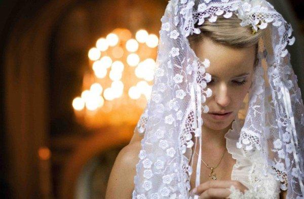 что надеть на голову невесте на венчание