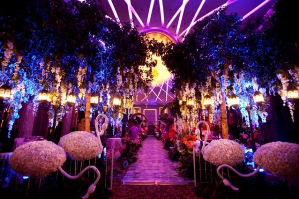 Украшение зала на свадьбе в стиле алиса в стране чудес