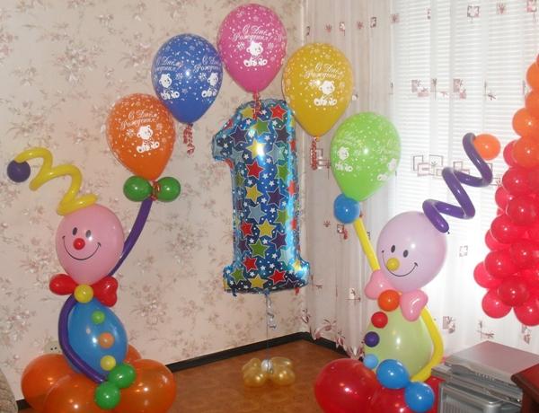 первый день рождения ребенка как украсить комнату