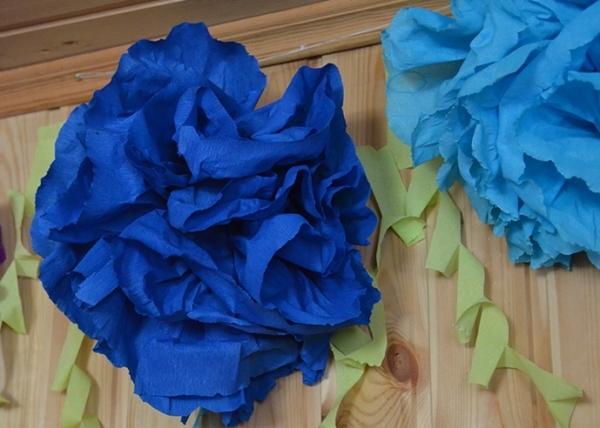 бумажные цветы для украшения комнат на детские дни рождения