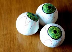 конкурс на перенос шариков в столовых ложках